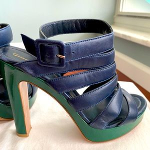 Gianvito Rossi navy blue leather with green heel
